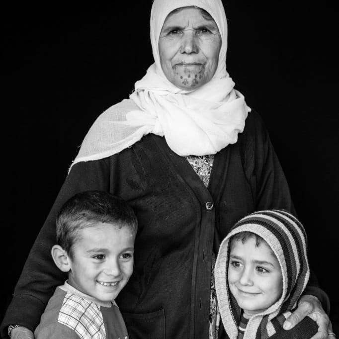 Adule Imam Sheik Muhamad with grandchildren photographed by Jodi Hilton #AduleImamSheikMuhamad #JodiHiltonPhotography #Badass #Tattooed #Elders #Grandma #ElderlyWomen #Woman #tattooedgrandma