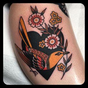 Tiny Bird by Leonie New (via IG-leonienewtattoos) #leonienew #traditional #color #girly #pretty #ChapelTattoo