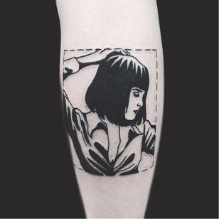 Blackwork Mia Wallace tattoo by Matt Cooley. #Cooley #MattCooley #MiaWallace #femmefatale #classic #pulpfiction #cultfilm #film #movie #QuentinTarantino #moviecharacter #femmefatale #blackwork #portrait