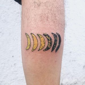 Life cycle of a banana tattoo by Shannon Wolf #shannonwolf #foodtattoos #color #illustrative #realistic #popart #banana #death #old #funny #cute #food #fruit