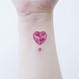 Heart jewel tattoo by Studio by Sol #StudiobySol #Sol #jeweltattoos #color #realism #realistic #hyperrealism #jewel #gem #crystal #sparkle #heart #valentine #love #glitter #pink #cute #tattoooftheday
