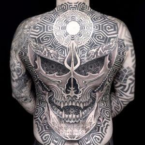 Skull geometry by Jondix #Jondix #blackandgrey #pattern #sacredgeometry #linework #skull #geometric #teeth #bones #death #mandala #light #trident #filigree #tattoooftheday