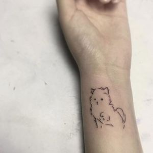 Minimalist cat tattoo by Benjamin Fly. #BenjaminFly #blackwork #minimalist #cat #subtle #cute #pet