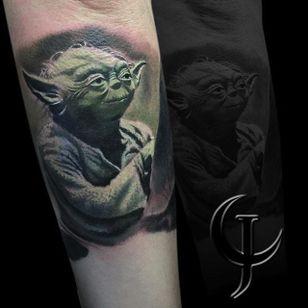 Yoda Tattoo by Chad Jacob #Yoda #Portrait #ColorPortrait #PortraitTattoos #ColorRealism #ChadJacob #yoda