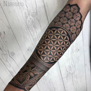 Geometric patterns. (via IG - nissaco) #geometric #nissaco #blackwork #sleeve #largescale