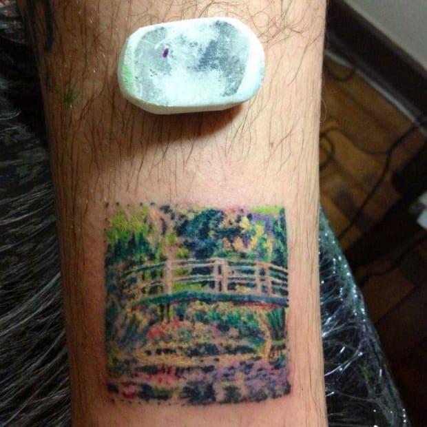 Tattoo miniatura de A Ponte Japonesa, de Claude Monet por Jefferson Margutti #JeffersonMargutti #art #obrasdearte #apontejaponesa #thejaponesebridge #claudemonet #monet #impressionismo #miniature #miniatura