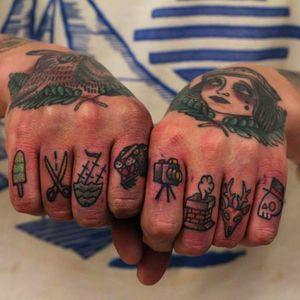 Cute old school Knuckle Tattoos #Knuckles #KnuckleTattoos #HandTattoos #Traditional #Black #Lettering #Script