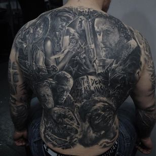 Impressive 'The Walking Dead' back piece by Edgar Ivanov. #realism #blackandgrey #blackandgreyrealism #zombie #TheWalkingDead #EdgarIvanov #backpiece