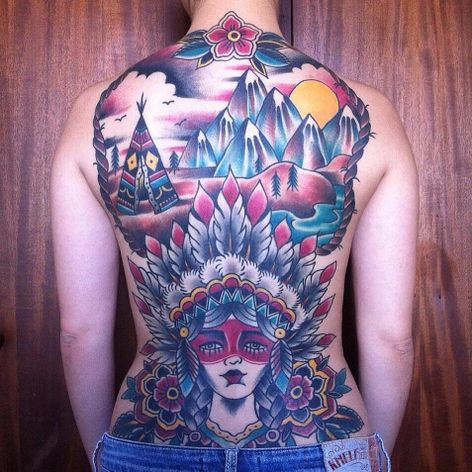 Tattoo por Lisandra Siqueira, premiada com o terceiro lugar na categoria Old School na Tattoo Week São Paulo 2016! #LisandraSiqueira #tatuadorasbrasileiras #oldschool #oldschooltattoo #tattooweek #traditional #tradicional #tradicionalamericano