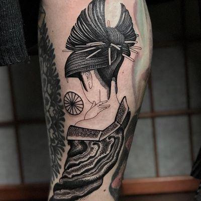 Lady of the night tattoo by El Dragon #ElDragon #cooltattoos #blackandgrey #linework #dotwork #geisha #lady #pattern #kimono #swirl #wheel #cloud #Japanese #tattoooftheday