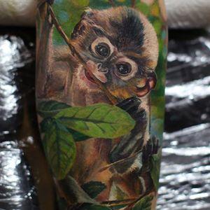 Photo-Realistic Monkey Tattoo By Iwan Yug #monkeytattoo #IwanYug #photorealistictattoos #realistictattoos #3Dtattoos