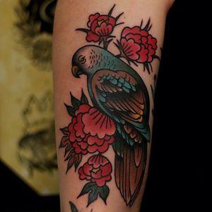by #MartinaEkenberg via @electricmartina #flowers #bird