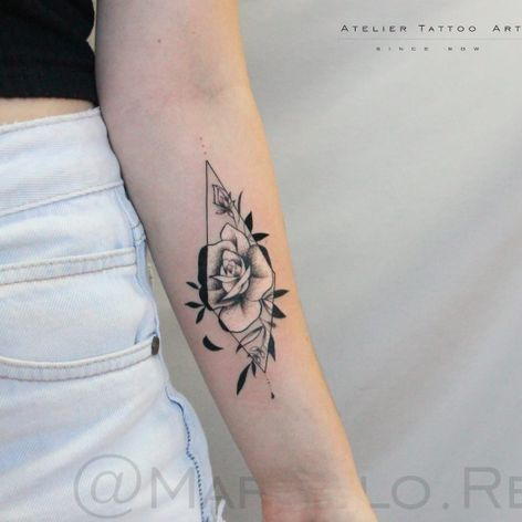 Rosa por Marcelo Ret! #MarceloRet #TatuadoresBrasileiros #TatuadoresdoBrasil #TattooBr #TattoodoBr #rose #rosa #flower #flor