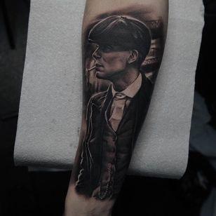 Thomas Shelby Tattoo by Edgar Ivanov #ThomasShelby #BlackandGrey #BlackandGreyRealism #BlackandGreyTattoos #PortraitTattoos #Realism #EdgarIvanov