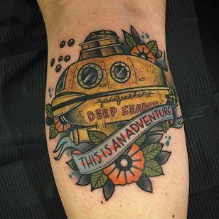 Oh hell yes to this Life Aquatic tattoo by Dane Burton (via IG -- misterburtontattoo) #daneburton #submarine #submarinetattoo