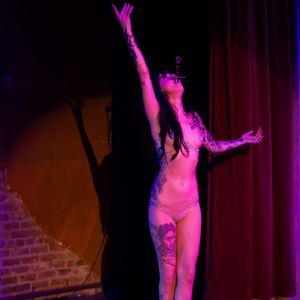 Emma Vauxdevil by Will Hardin (via IG-vauxdevil) #EmmaVauxdevil #burlesque #swordswallower #firedancer #entertainer #WillHardin