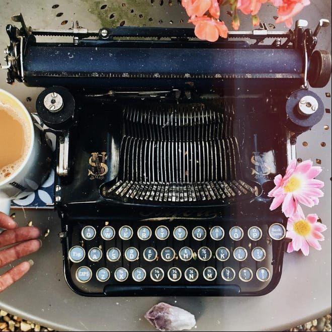 Typewriter and tea - the perfect combo #HarmonyNice #typewriter#blogger #vlogger #vintage