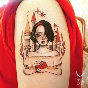 Snow White by Zihae (via IG- zihae_tattoo) #painterly #girlsgirlsgirls #zihae #illustrative