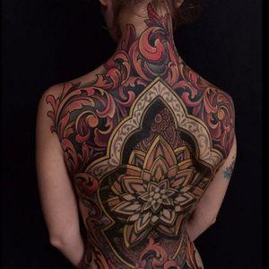 Backpiece collaboration by Savannah Colleen and Russ Abbott at Ink and Dagger Tattoo #SavannahColleen #RussAbbott #inkanddaggertattoo #ornamental#ornamentaltattoo #mehndi #henna #mandala #tattoooftheday