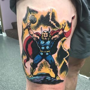 Thor #KylerShinn #GuerraInfinita #InfinityWar #Avengers #Vingadores #Marvel #comics #nerd #geek #cartoon #hq #movie #filme #thor #nordico #nordic #colorido #colorful #martelo #hammer #mjolnir