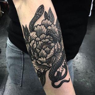 Serpent by Jack Ankersen (via IG-jack_ankersen) #illustrative #black #linework #floral #flowers #snake #JackAnkersen