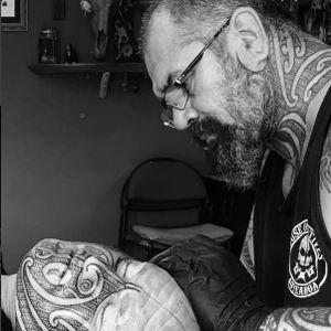 Gordon Toi #tamoko #tamokotattoo #tamokoartist #maori #maoritattoo #maoriart #houseofnatives #houseofnativestattoos #GordonToi