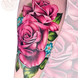 Pink roses tattoo by Liz Venom #LizVenom #flowertattoos #color #realistic #realism #watercolor #roses #pink #rose #flowers #leaves #nature #floral #tattoooftheday