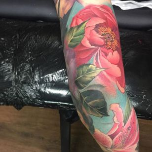 Peonies and Lilies by Samantha Ford (via IG-samantha_ford_tattooers) #watercolor #flower #flora #painterlystyle #flowers #samford #samanthaford