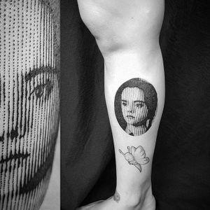 Dot matrix Wednesday Addams portrait by Marco Bordi. #MarcoBordi #blackwork #dotmatrix #contemporary #lines #impression #portrait #wednesdayaddams #addamsfamily #wednesday #film #movie #popculture #christinaricci