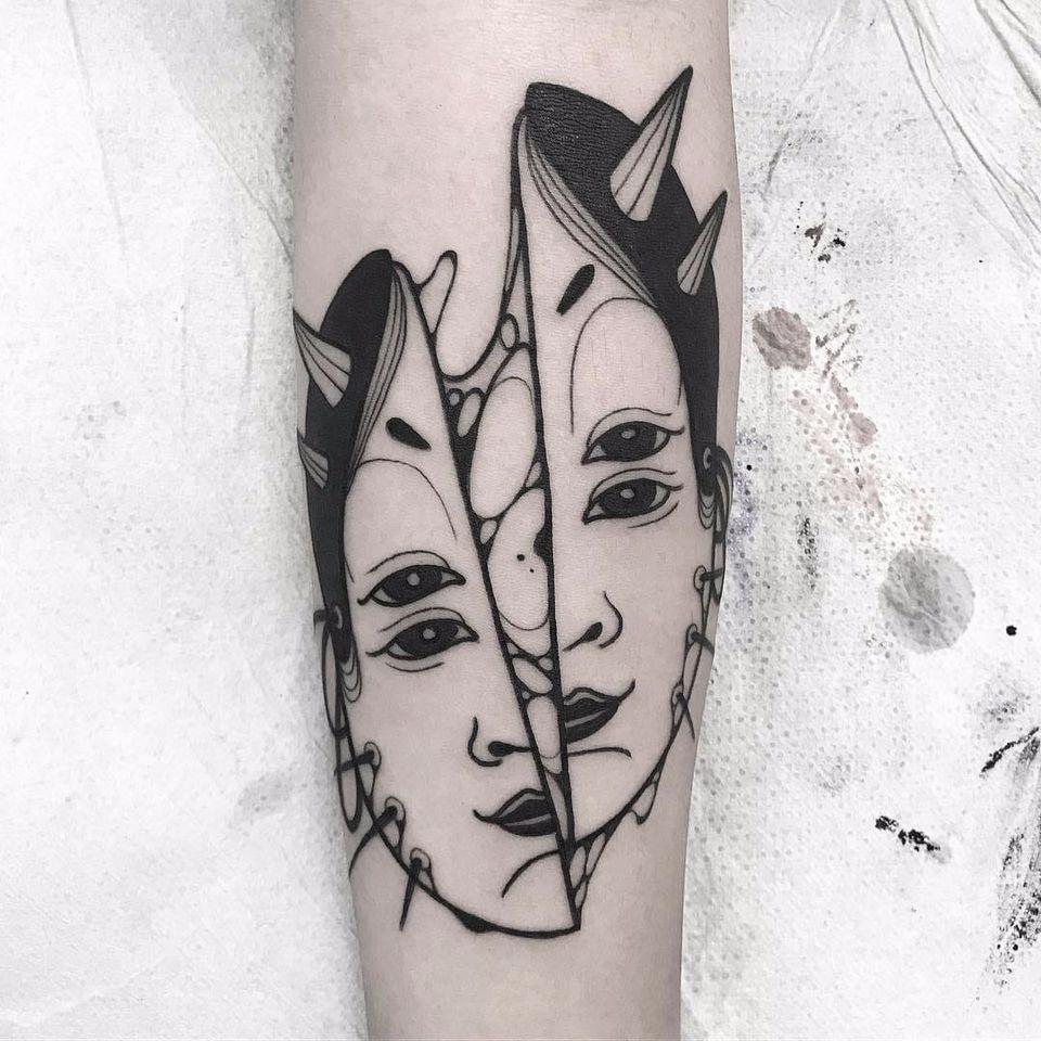 Por Oscar Hove #OscarHove #gringo #blackwork #oriental #rosto #face #mask #mascara #nohmask #noh #mascarajaponesa #japanesemask #divided #dividido