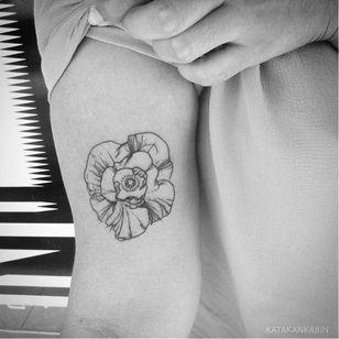 Poppy tattoo by Katakankabin #Katakankabin #linework #sketch #abstract #poppy