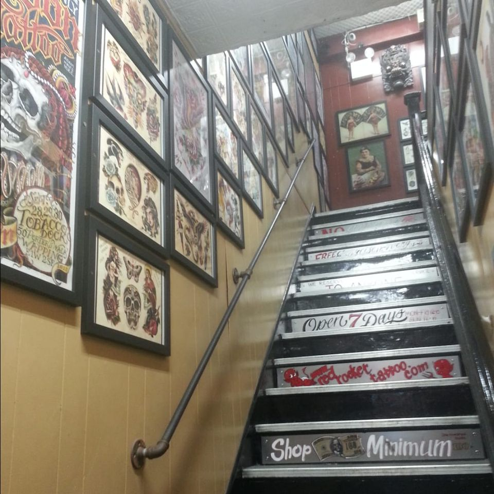 The steps leading to Red Rocket Tattoo (IG—redrockettattoo). #NYCtattooshops #RedRocketTattoo