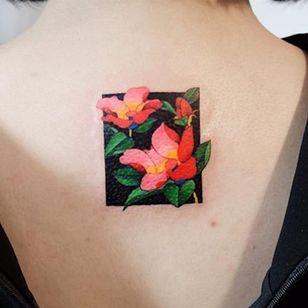 Cluster via instagram zihee_tattoo #pinkflower #redflower #flower #floral #watercolor #colorful #illustrative #zihee