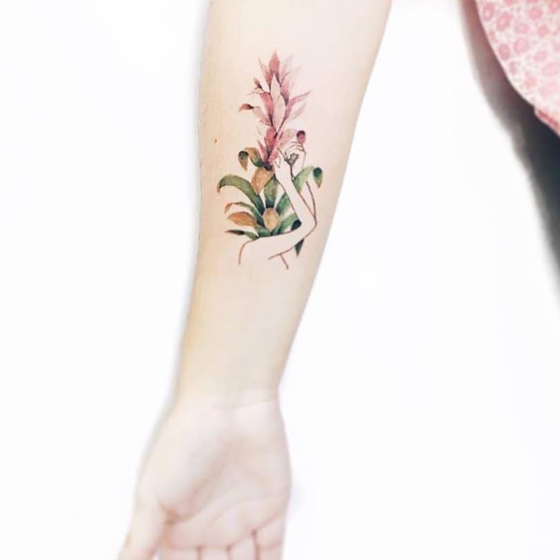 Florida #LuizaOliveira #LuizaBlackbird #brazil #brasil #brazilianartist #TatuadorasDoBrasil #delicate #delicada #woman #girl #mulher #garota #menina #flores #flowers #fineline
