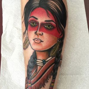 Gorgeous Native American girl via @deandenney #DeanDenney #traditional #ladyhead