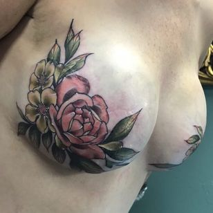 Mastectomy tattoo by Nikie Nouveau #NikieNouveau #CoverUpTattoos #mastectomytattoo #scarcoverup #flowers #bouquet #leaves #nature #magnolia #rose #color #pastel #tattoooftheday