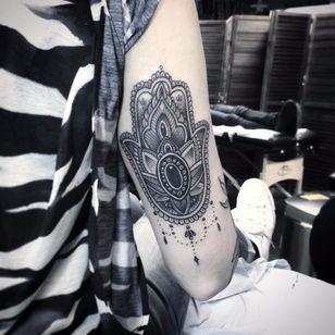 Ornamental Hamsa by Flo Nuttall #FloNuttall #blackwork #blackandgrey #ornamental #Hamsa #jewels #ornamental #pattern #geometric #dotwork #hamsahand #tattoooftheday