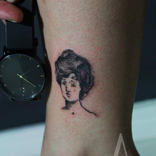 Tattoo por Marcelo Ret! #MarceloRet #TatuadoresBrasileiros #TatuadoresdoBrasil #TattooBr #TattoodoBr #blackwork #littletattoo #littletattoos #minimalista #minimalist