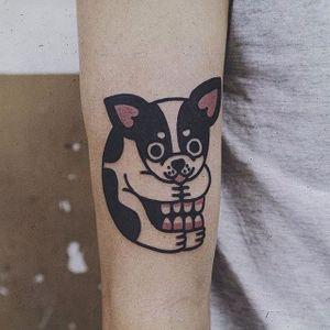 A cheeky chihuahua come skull tattoo by @wan_tattooer. #chihuahua #dog #skull #traditional #neotraditional #wan_tattooer