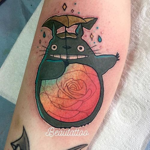 """My Neiggbor Totoro"" tattoo by Beau Redman. #BeauRedman #popculture #Disney #childhood #film #studioghibli #totoro #myneighbortotoro"
