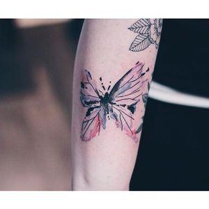 Watercolor butterfly tattoo by Helen Xu via Instagram @helenxu_tattoo #butterfly #watercolor #linework #delicate #fineline #HelenXu #watercolorbutterfly