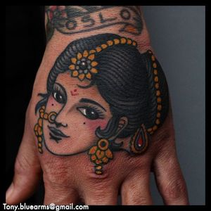 An Indian lady head by Tony Nilsson (IG—tonybluearms). #color #Indian #ladyhead #TonyNilsson #traditional