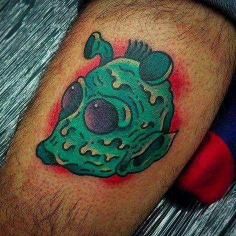 Alien Tattoo by Joe Fletcher @Wagabalooza #Wagabalooza #JoeFletcher #JoeFletcherTattoo #Neotraditional #Neotraditionaltattoo #HellcatsTattooParlour #UK #Alien