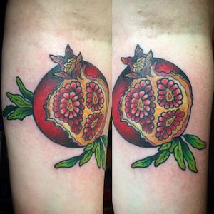Pomegranate tattoo by Sarah Grossman #sarahgrossman #fruit #pomegranate