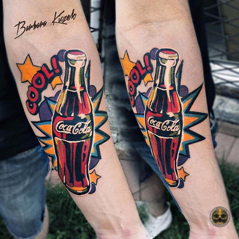 Uma coquinha agora ia muito bem #BarbaraKiczek #gringa #colorido #colorful #grafico #graphic #comics #cocacola #coke #garrfa #bottle #estrela #star