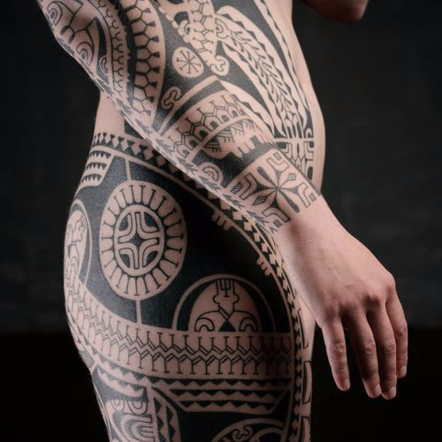 Tribal bodysuit in progress by Dmitry Babakhin #DmitryBabakhin #babakhintatau #tribal #blackwork #shapes #linework #geometric #bodysuit #tattoooftheday