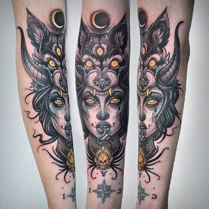 Three-eyed wolf headdress tattoo. #KatiBerinkey #wolf #wolfwoman #woman #sketchtattoo #sketchstyletattoo