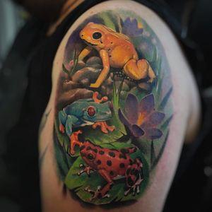 Tropical frog tattoo by Leonardo Rojas #LeonardoRojas #naturetattoos #color #realism #realistic #hyperrealism #tropical #jungle #frogs #lotus #flowers #nature #animal #tattoooftheday