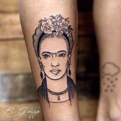 Frida por Bruna Guzzo! #BrunaGuzzo #tatuadorasbrasileiras #tattoobr #tatuadorasdobrasil #tattoodobr #frida #fridakahlo #feminist #feminista #feminism #feminismo