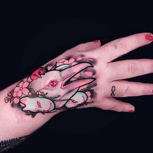 Neo-traditional albino crow tattoo by Brando Chiesa. #BrandoChiesa #neotraditional #albino #creature #animals #pastel #japanese #cherryblossom #crow #bird #mask